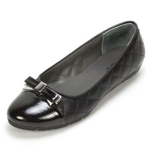 """Rialto """"Gaylene """" Quilted Flat"""